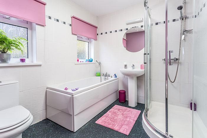 Tan Yr Eglwys Cottage 2 Bathroom