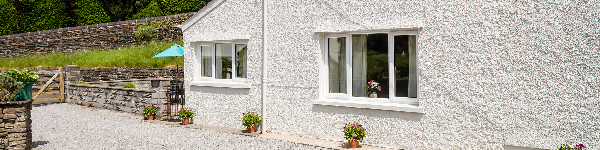 holiday cottages swansea, romantic getaways wales, brecon beacons cottages